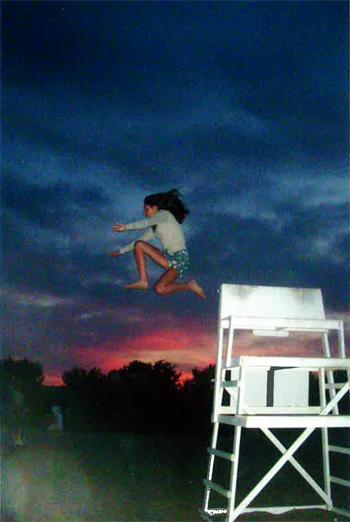 nantucket-lifeguard-chair-girl-jump